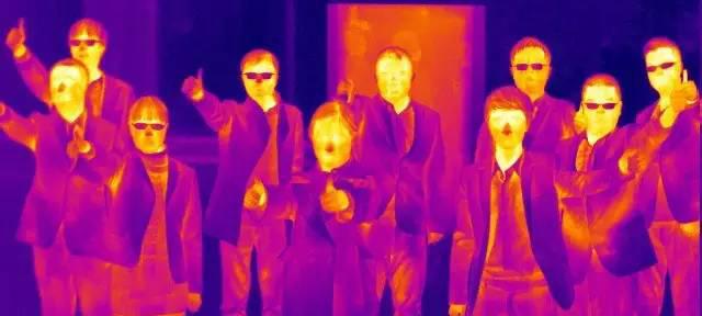 """冬日三大神器,这个冬天,我们就要""""有温度的气质"""""""